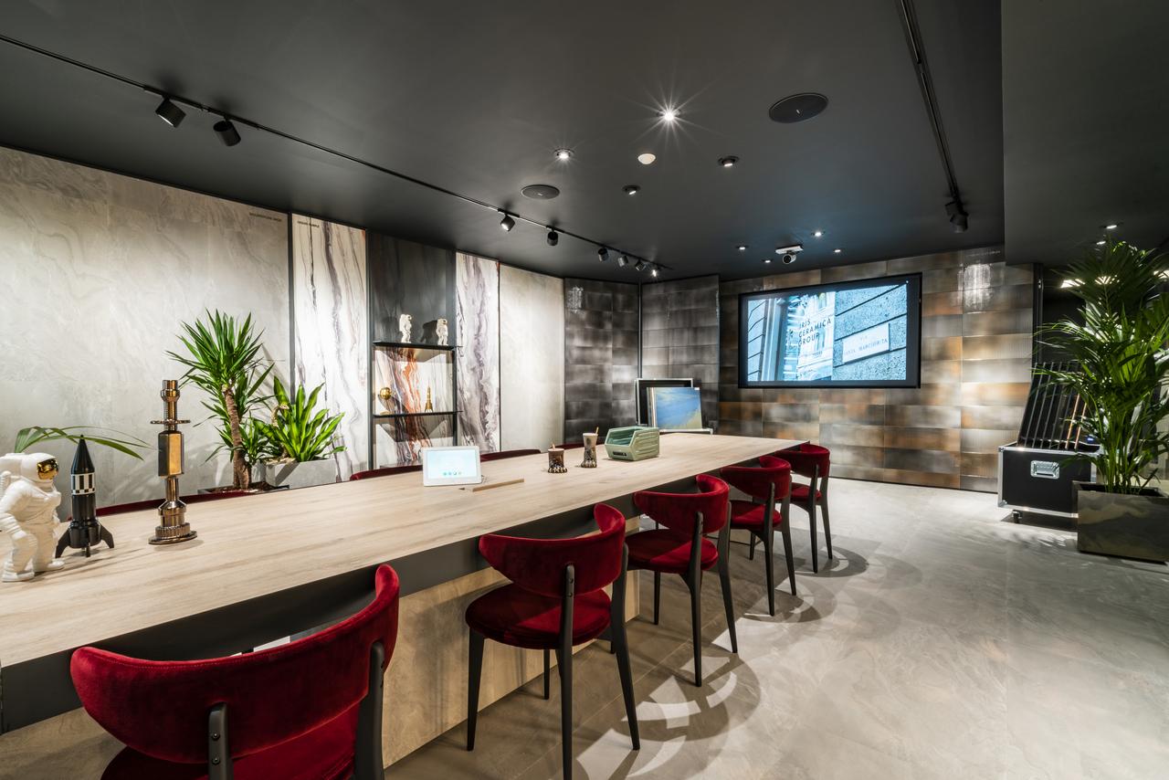 Ariostea showroom in milan for Unique design milano