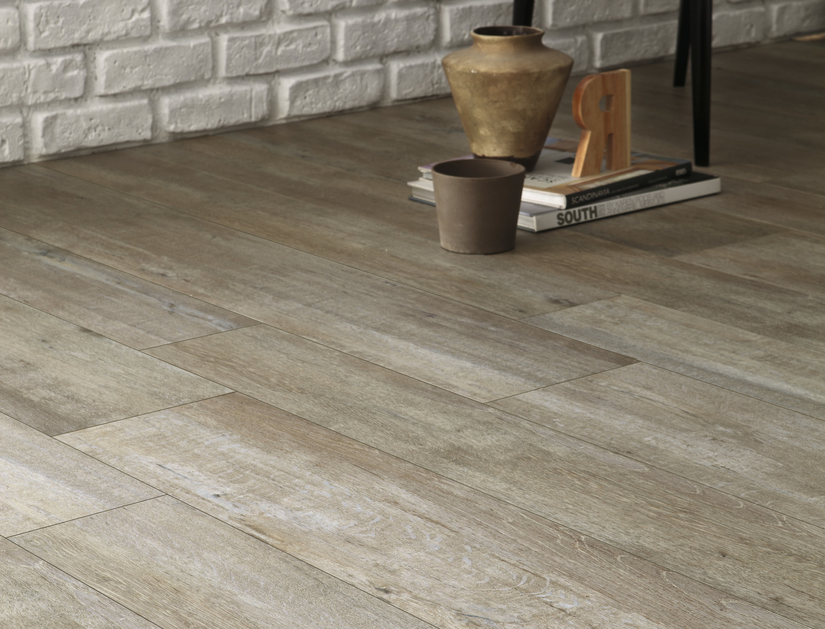 Light grey wood effect porcelain floor tiles rovere provenzale wood effect beige porcelain tiles rovere provenzale dailygadgetfo Gallery