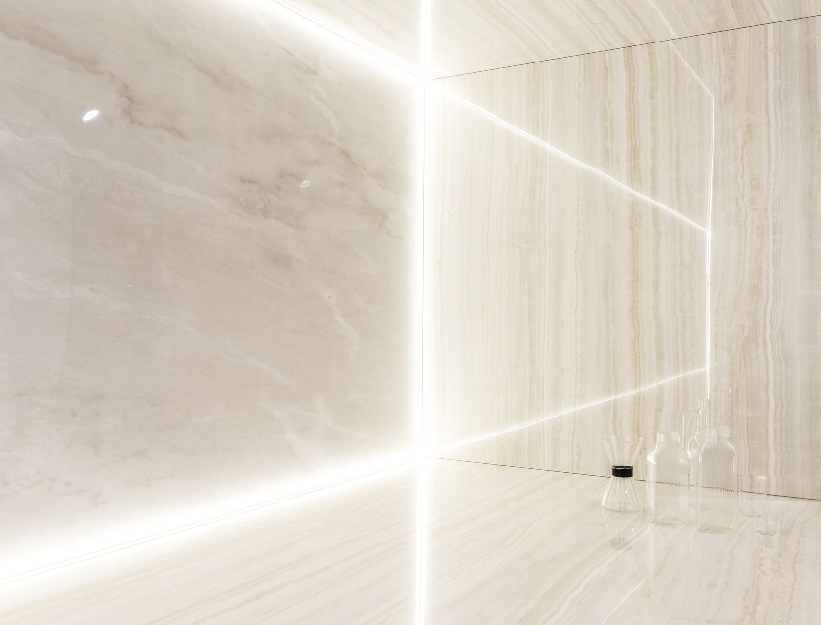 Onice ivory Marmi cento7cento, white marble effect porcelain tiles