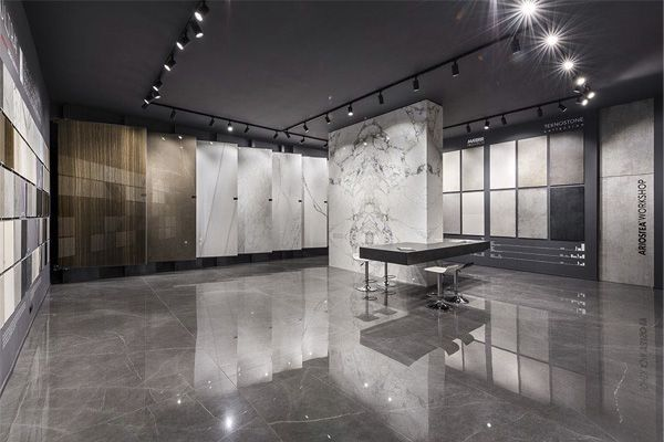 Showroom Naples