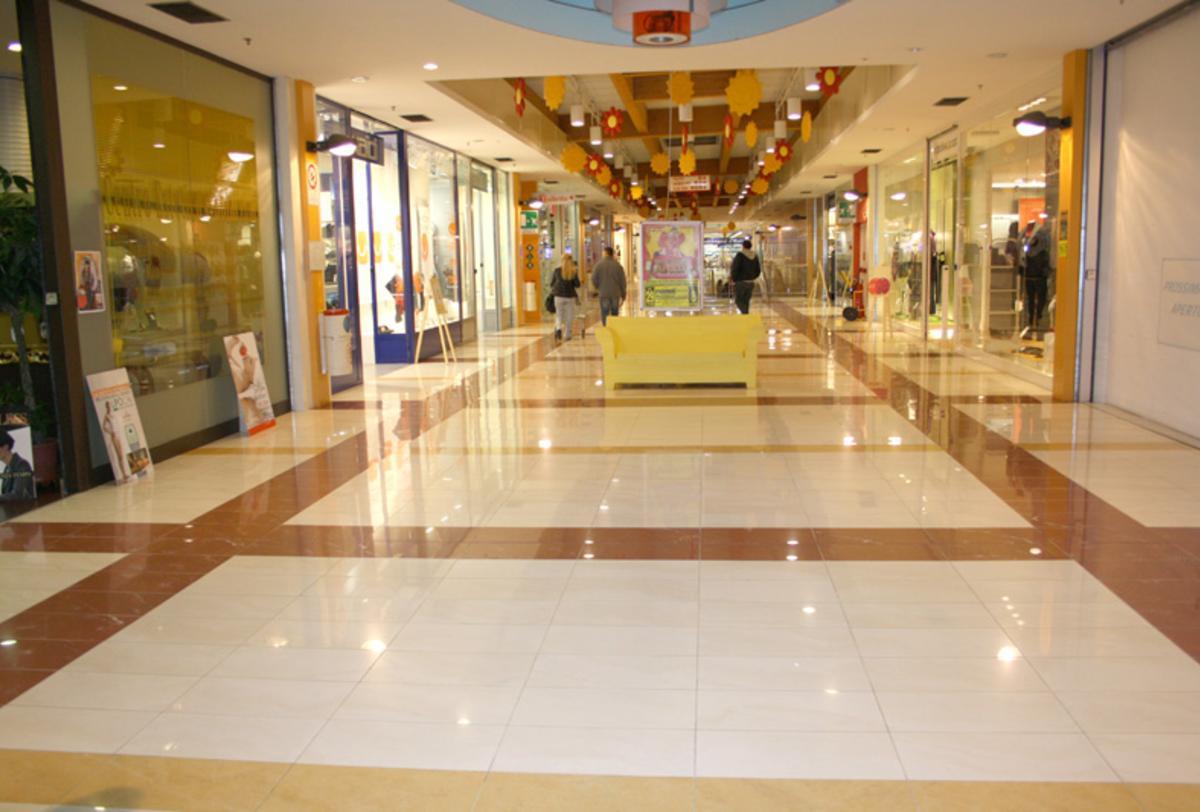 Shopping Centre in Piacenza | Shopping centres Ariostea