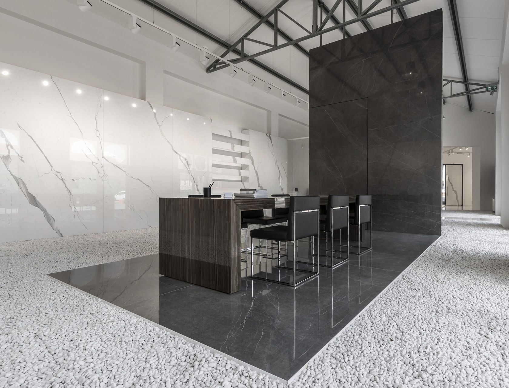 Large slabs ULTRA Porcelain stoneware for floor and wall tiles in 300x150 and 300x100 formats